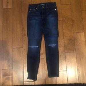 Dark blue washed destroyed knee ankle jeans